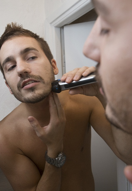 travel shaver
