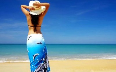 8 Ways to Use a Beach Sarong Wrap: Multipurpose Travel Accessory