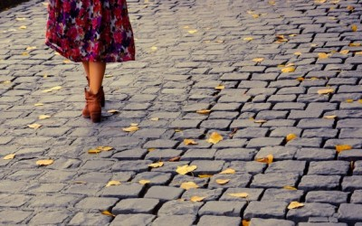 Walking in Heels: An Instruction Guide to Conquer Italy's Cobblestones