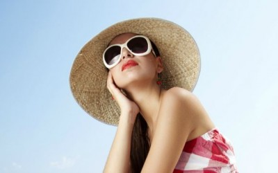 Benefits of Polarized Sunglasses for Women Plus 11 Stylish Shades