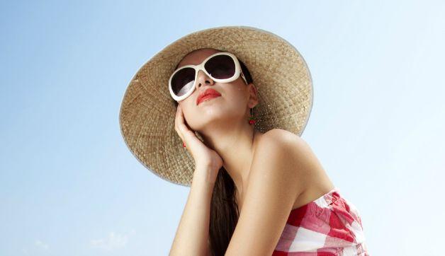 Benefits of Polarized Sunglasses for Women Plus 11 Stylish Shades
