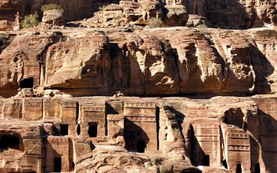 What to Wear in Jordan: Petra and the Dead Sea