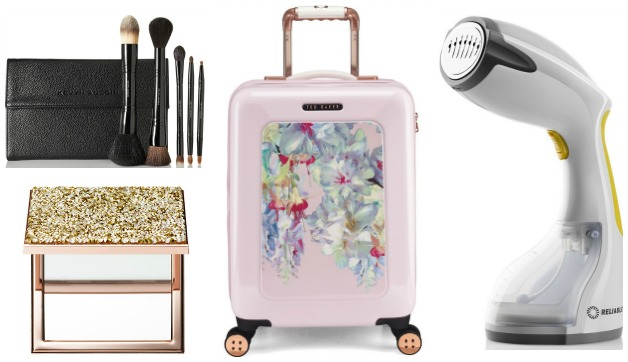 10 Beautiful Travel Gifts for a Glam Globetrotter