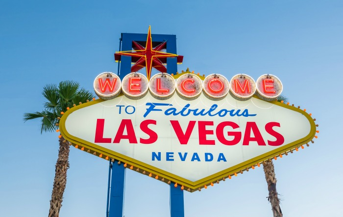 How to Pack for Las Vegas: 6 Outfit Ideas for a Work Trip