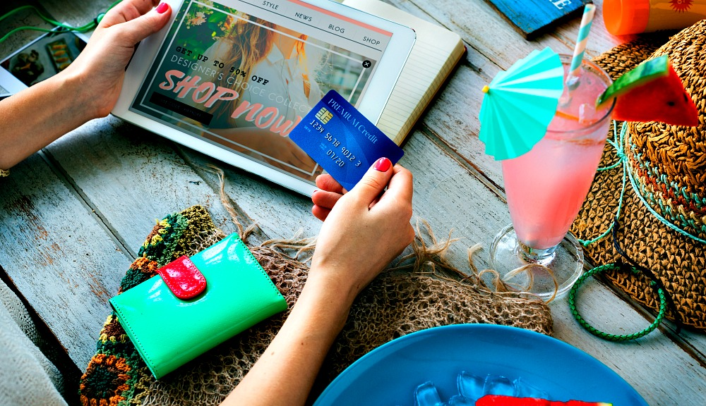 Online Shopping Guide: Favorite Places to Buy Travel-Friendly Clothes