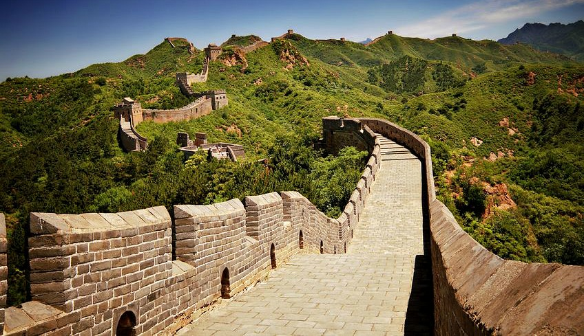 What to Wear to Walk the Great Wall of China in Summer